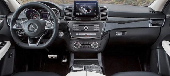 Mercedes GLE 2015 unutrašnjost