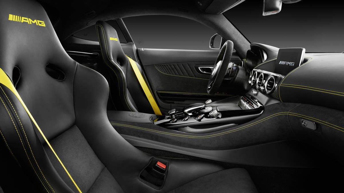 novi Mercedes AMG GT R